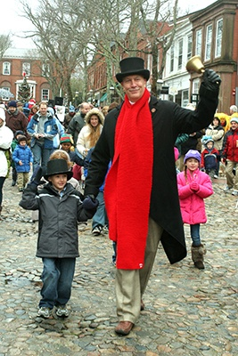 FTG-TownCrier-CreditNantucketChamberOfCommerce-Michael-Galvin-3
